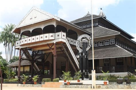 rumah adat provinsi tradisional indonesia lengkap deskripsi penjelasan