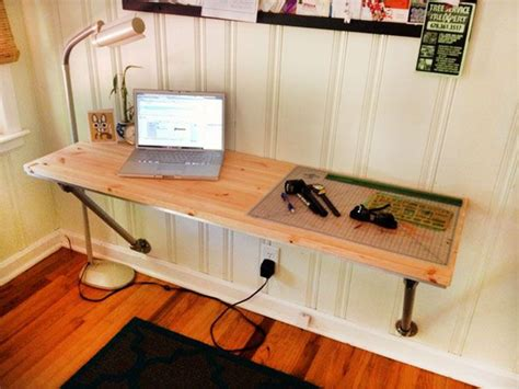 Diy Hanging Desk 25 Best Ideas About Floating Desk On Home Study Rooms Small Office Design And Home