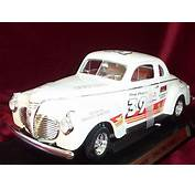 Plymouth Pro Street White 39 Yatming 118 Diecast Car Scale