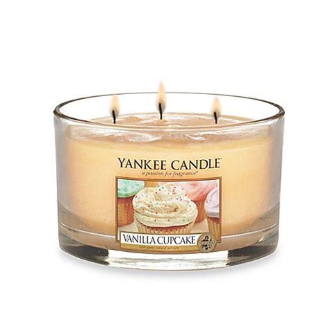 bed bath and beyond yankee candle yankee candle 174 housewarmer 174 vanilla cupcake 3 wick candle