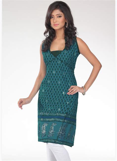 new neck pattern of kurti pics for gt high neck kurti design 2014