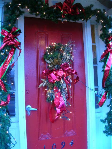 creative front door christmas decorations