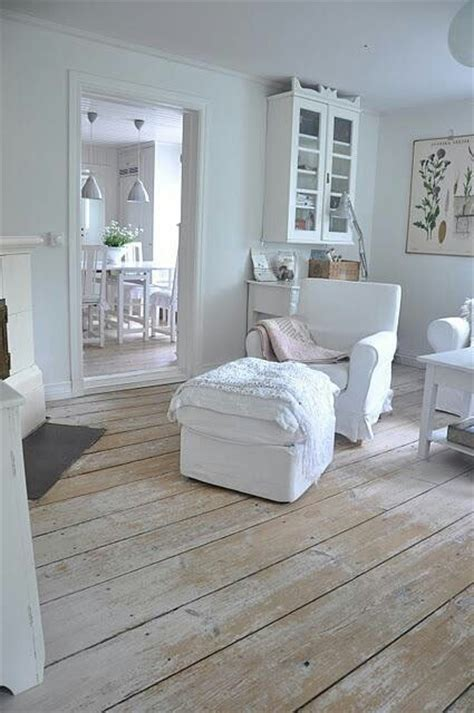 cottage flooring ideas distressed wood floors stuff search