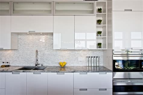 How To Clean Lacquer Kitchen Cabinets White Lacquered Pro Kitchen Le Oxxford Penthouse Modern Kitchen Montreal By The Reno Pro
