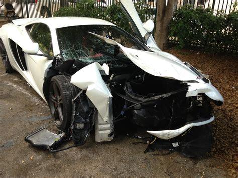 mclaren p1 crash car crash mclaren 12c crashes into ford flex in miami