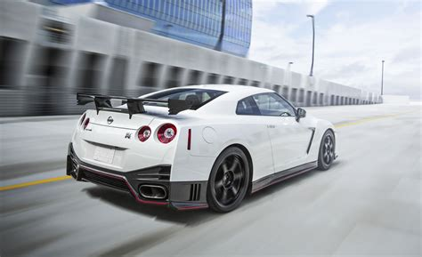 2016 nissan gt r nismo photos specs and review rs