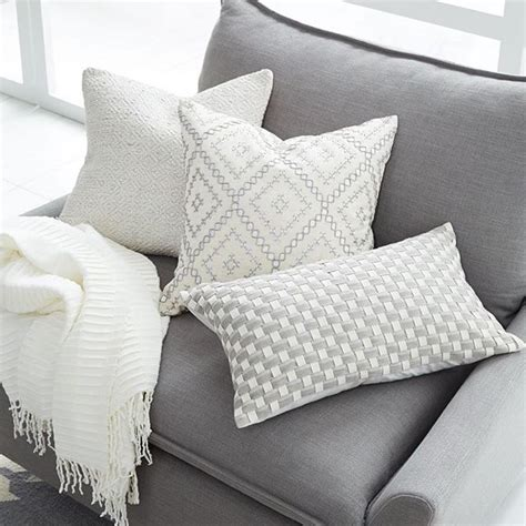 white decorative pillows for couch 25 best ideas about dark grey couches on pinterest gray