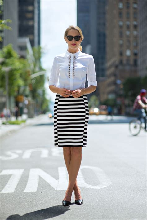 Top Nyc Fashion Blogs by Trend Alert We Show You 20 New Ways To Wear Stripes In