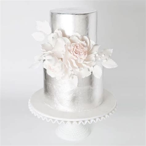 Silver Wedding Cake by 36 Trendy And Glam Metallic Wedding Cakes Weddingomania