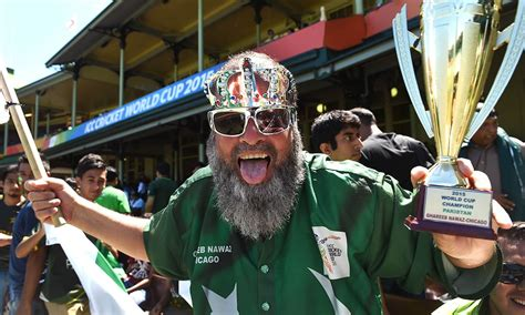 pakistan fans pakistani fans warming up for india battle multimedia