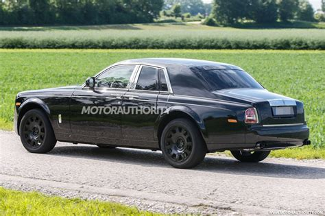 rolls royce project cullinan 2018 rolls royce suv project cullinan test mule spy shots