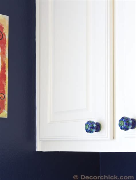 navy blue laundry room makeover decorchick