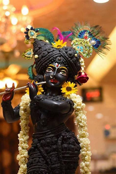 themes lord krishna best 25 lord krishna ideas on pinterest krishna