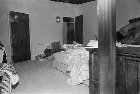 Records Of Deaths In Houses Marilyn Dead Photos Amazing Photos Wallpaper