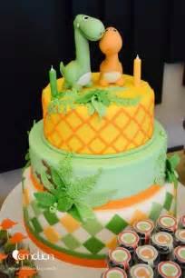 Cake at a dinosaur party dinosaur partycake