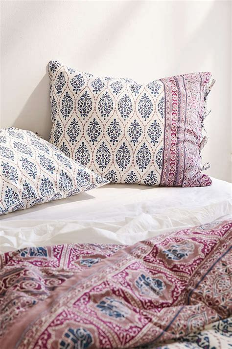 Beddings And Duvets Stylish Plum And Bow Bedding Homesfeed