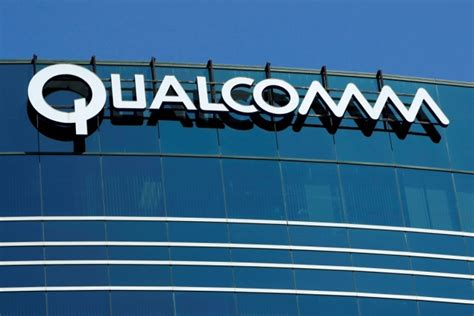 apple designing 2018 devices without qualcomm chips