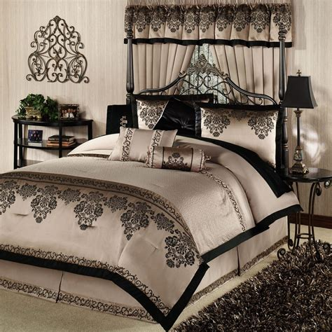 best bed sets luxury queen bedding sets has one of the best kind of