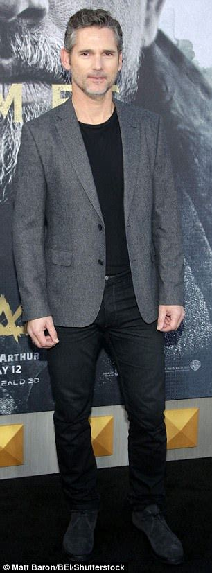why did the rug roll up around his david beckham slammed for his acting in king arthur daily mail