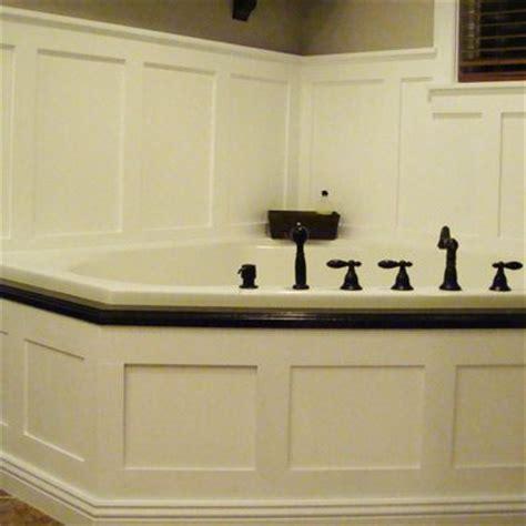 Wainscoting Around Tub by Best 20 Corner Bathtub Ideas On Corner Tub