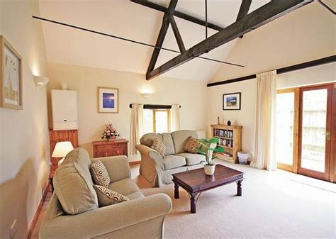 Willow Wood Cottage by Willow Wood Cottages