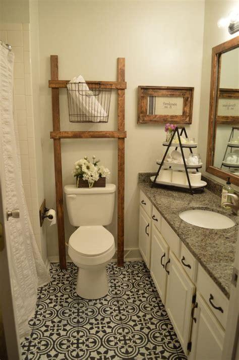 Paint Your Bathroom Floor It Looks Like An Expensive Tiled Bathroom Floor But It S