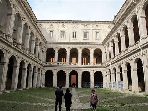 il cortile roma palazzo della sapienza