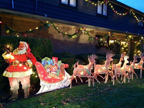 where to buy a sled and reindeer for the roof of your house mike makes a u bild santa and reindeer lawn display from scratch vintage plans still available