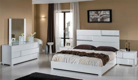 Italian Bedroom Furniture Modern Modrest Ancona Italian Modern White Bedroom Set