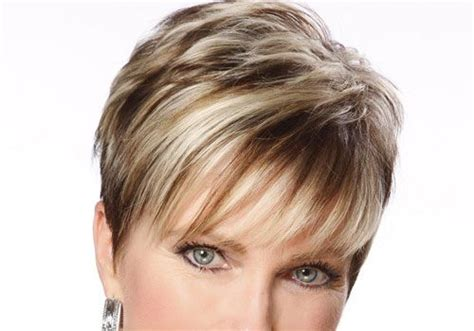 very short hairstyle with highlights lift and a bump on short choppy blonde hairstyles 30 19 jpg 500 215 350 hair