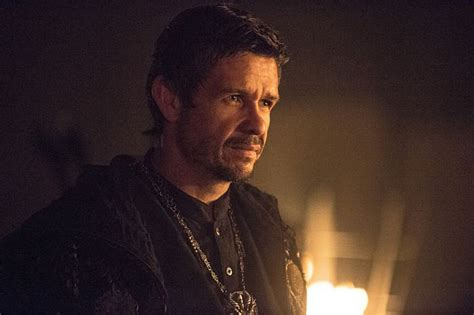actors who could play batman in the arrowverse arrow the climb review ra s al ghul is legit