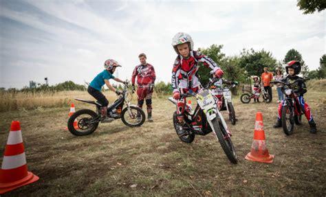 Kinder Motorrad Kurs kinder motorrad trainings c 22 26 8 2016