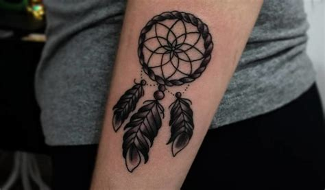 45 dreamcatcher tattoo designs for good dreams tattoobloq