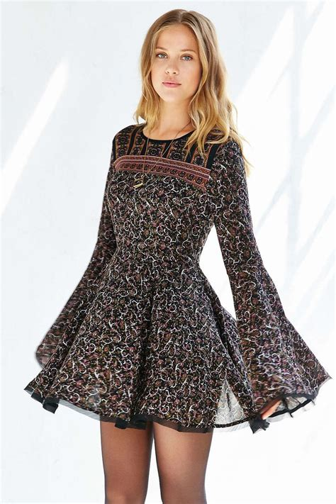 Bell Sleeves Dress by 25 Best Ideas About Bell Sleeve Dress On Bell