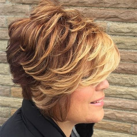 short to medium hairstyles with layers around the face 20 highlighted hair ideas for women over 40 page 3 of 20
