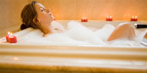 how to keep bathtub water hot top six bathing experiences psychologies