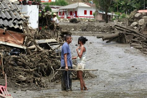 imagenes de luto salgar alluvione in colombia tragedia a salgar antioquia post