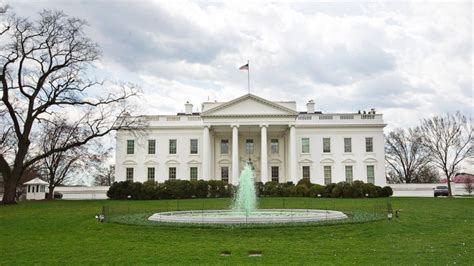white house north white house goes green for st patrick s day abc news