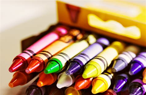 Crayon Apik 12 Colour is like a box of crayons i ll take 64 colors berg