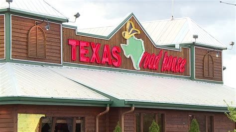 ceo  texas roadhouse   salary   front