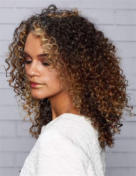 Hairstyles For With Curly Hair by Curly Hair Styles For And Hair Redken