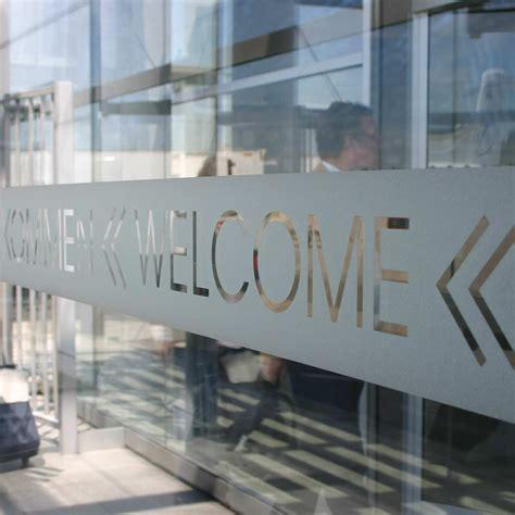 Fenster Sichtschutz Mit Logo by Klebefolie Milchglasfolie Mit Deinem Logo Matt