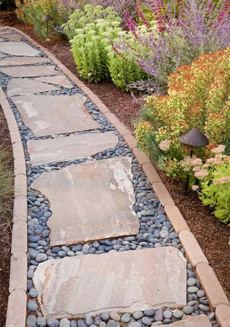 Flat Rock Fire Pit - 20 amazing stone pathways that will steal the show