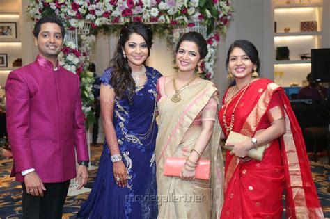 vijay tv dd marriage picture 670121 dd anchor ramya aparajith wedding