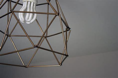 un lustre fabriquer un lustre g 233 om 233 trique avec des pailles