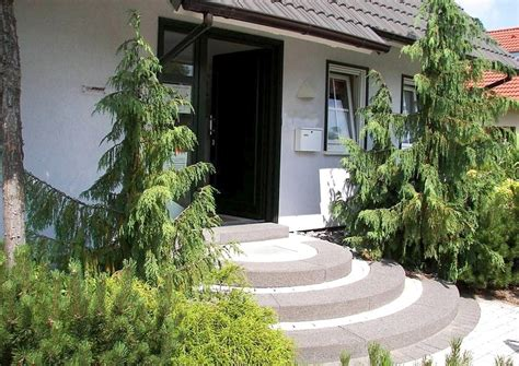 hauseingang stufen hauseingang mit treppe praktisch gestalten gel 228 nder