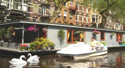 amsterdam bed and breakfast amsterdam bed and breakfast phildutch houseboat