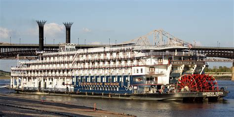 steam boat on the mississippi american queen steamboat rollin on the river mississippi