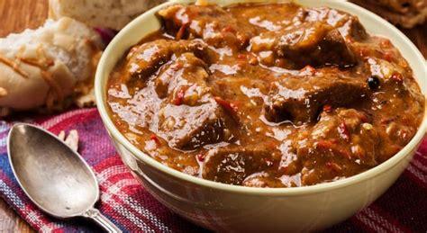 cucinare carne di cavallo ricetta spezzatino di cavallo il club delle ricette
