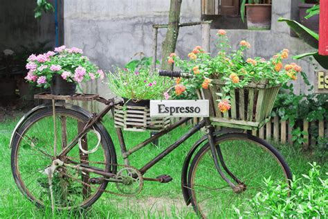 Bicycle Garden Planter by 33 Bicycle Flower Planters For The Garden Or Yard